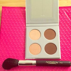 PUR highlight and contour palette w/ brush
